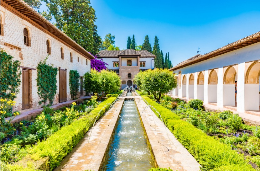Alhambra tour from Malaga - Living Tours