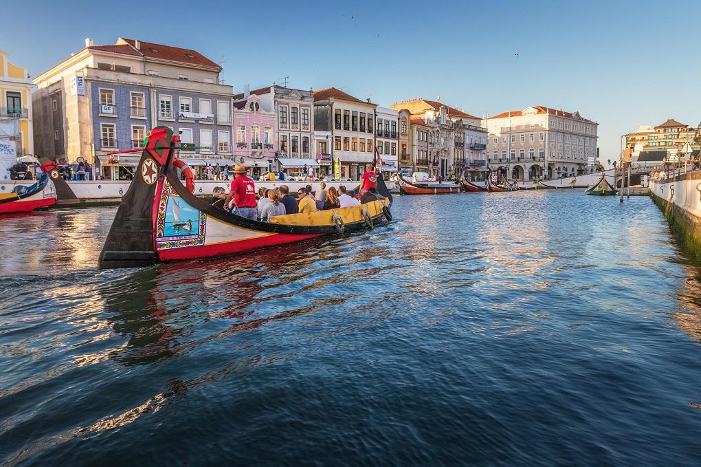 Moliceiro Boat Tour in Aveiro