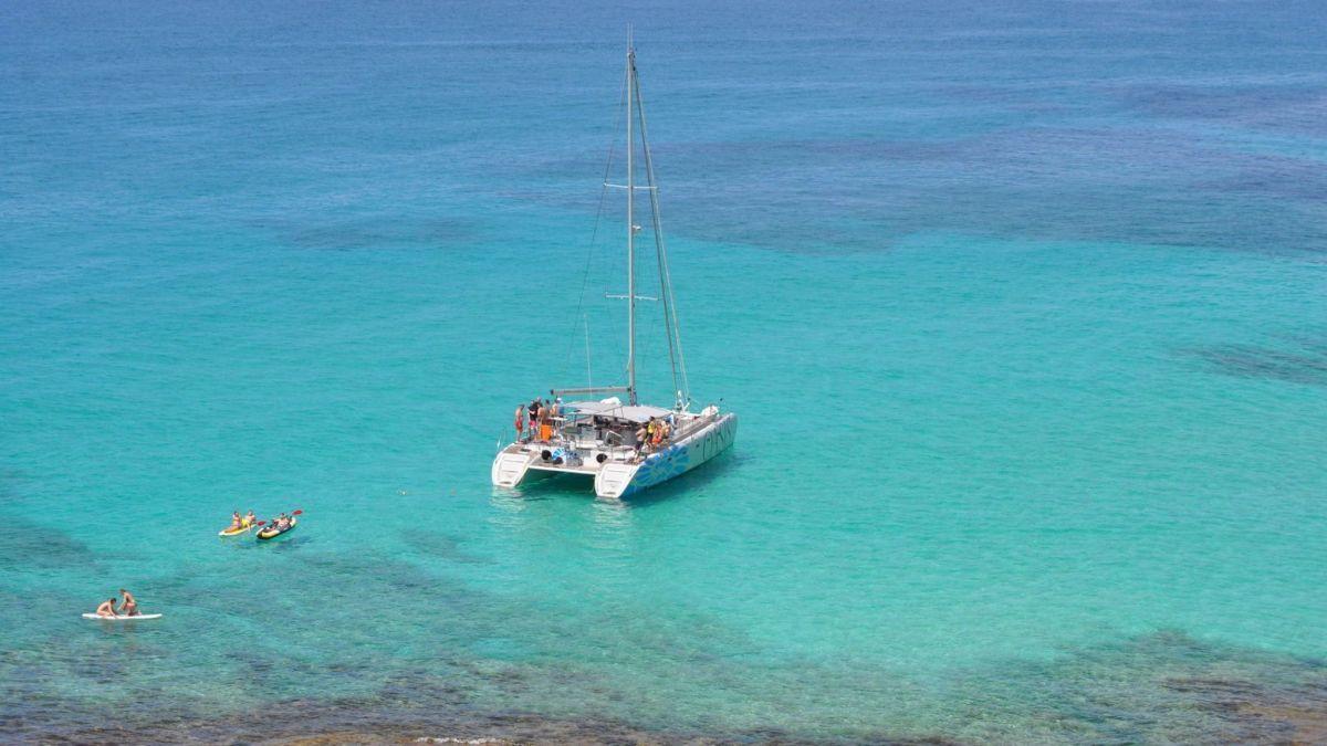 Viagem de Catamarã na Baía de Maiorca - Living Tours