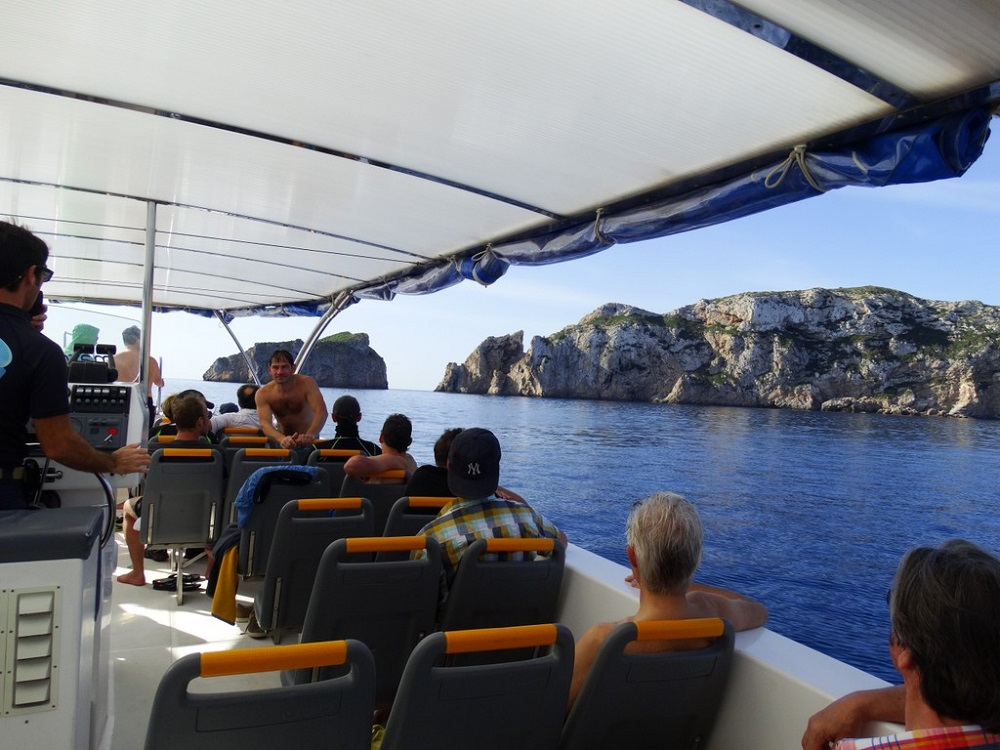 Boat Tour to Cabrera - Living Tours