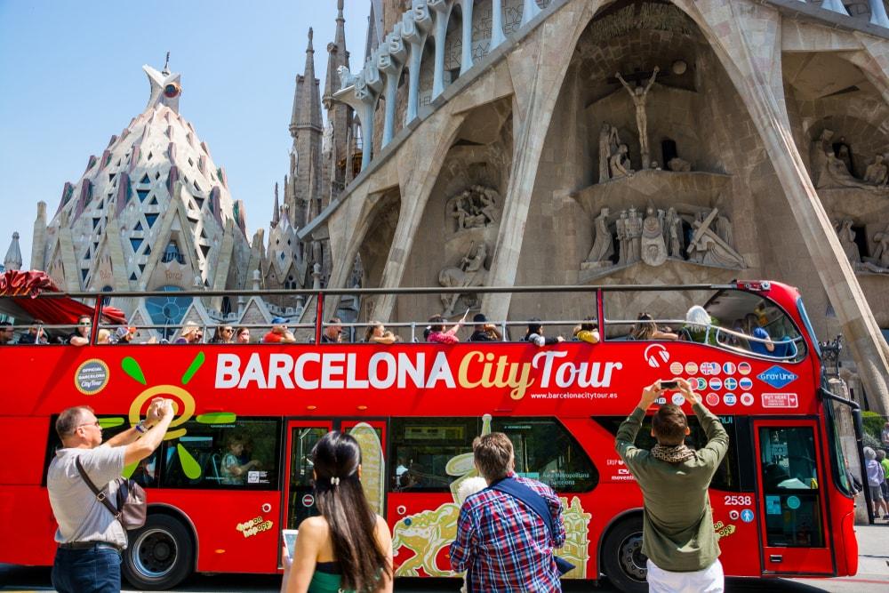 Hop-On Hop-Off Bus - Living Tours