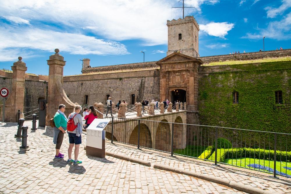 Castelo de Montjuic - Living Tours