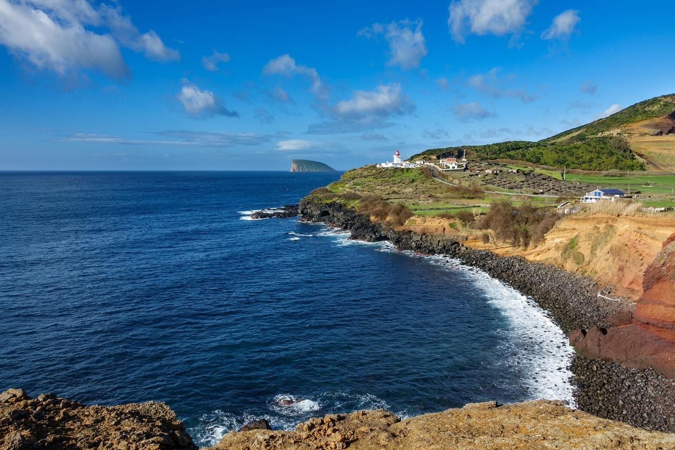 Passeio de Van na Ilha Terceira nos Açores