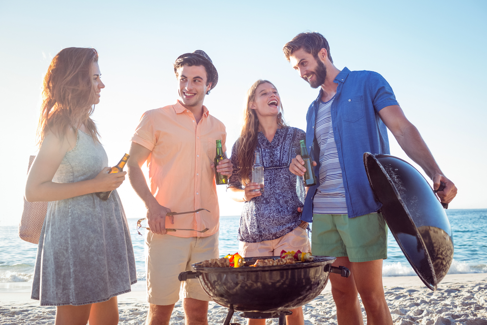 BBQ in the Beach with Breakfast, Lunch and Open Bar Included - Boat Trip