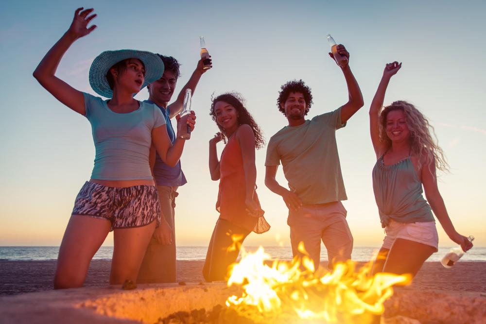 Churrasco ao Pôr-do-Sol: Jantar e Música ao Vivo