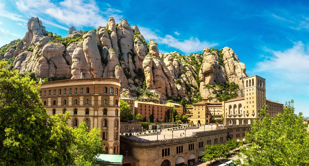 Montserrat and Penedès Tour with Cava Tasting included