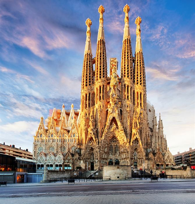 Barcelona Sagrada Familia - Living Tours