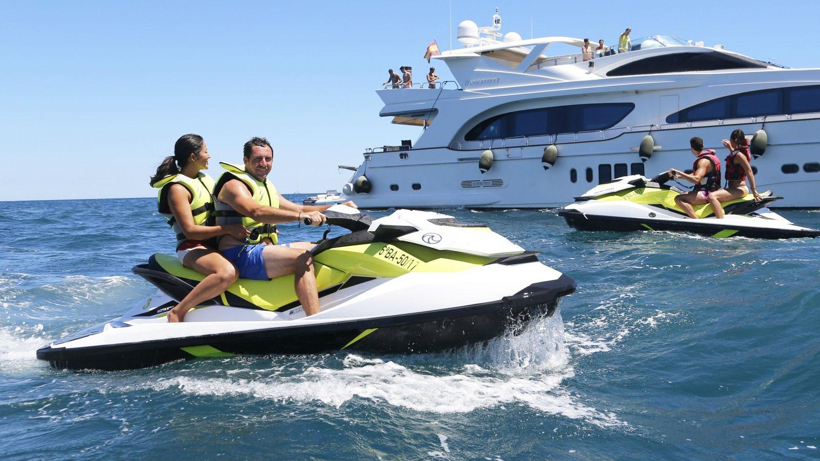 Barcelona jet ski experience - Living Tours