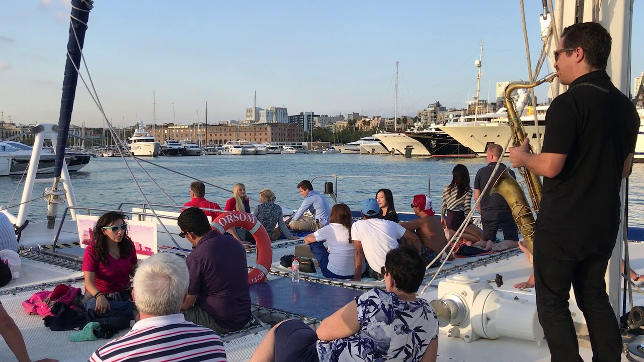 Cruise in Barcelona with live music