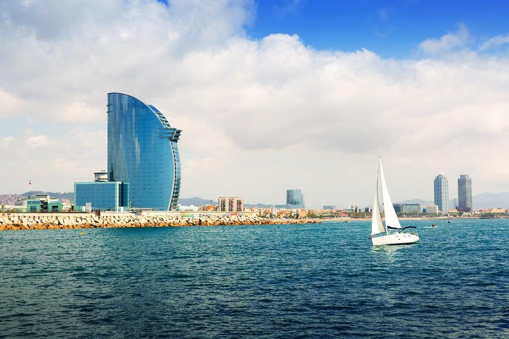 Passeio de Barco em Barcelona
