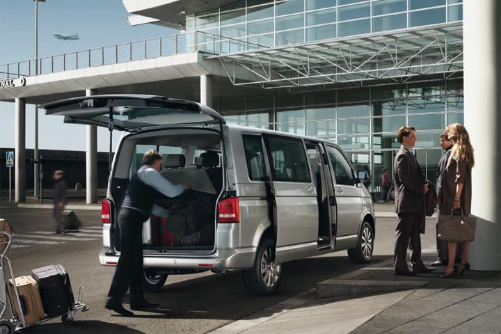 Airport Transfer Costa Dorada - Living Tours