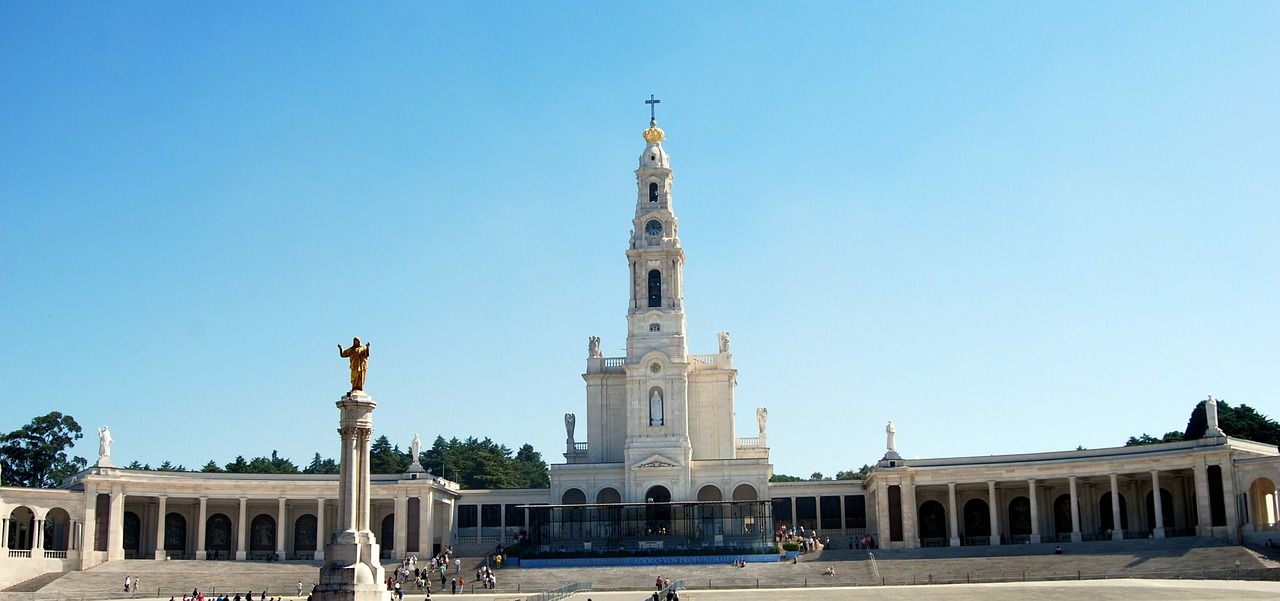 Tour to Fatima in the Afternoon - Living Tours