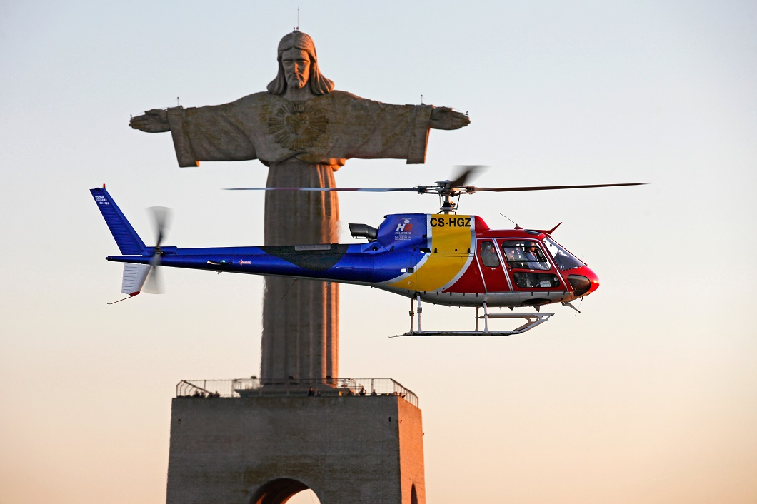 Helicopter Flight in Lisbon - Living Tours