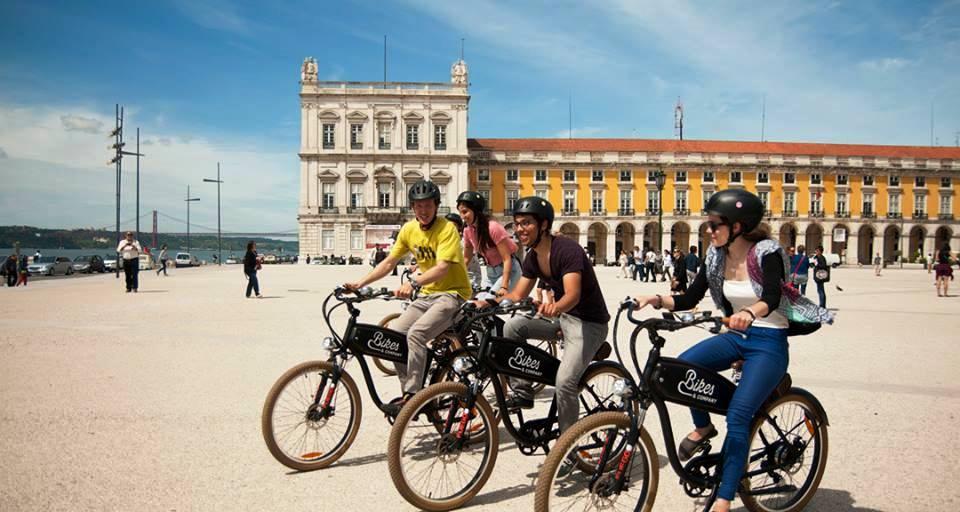 alugar bicicletas em lisboa - Living Tours