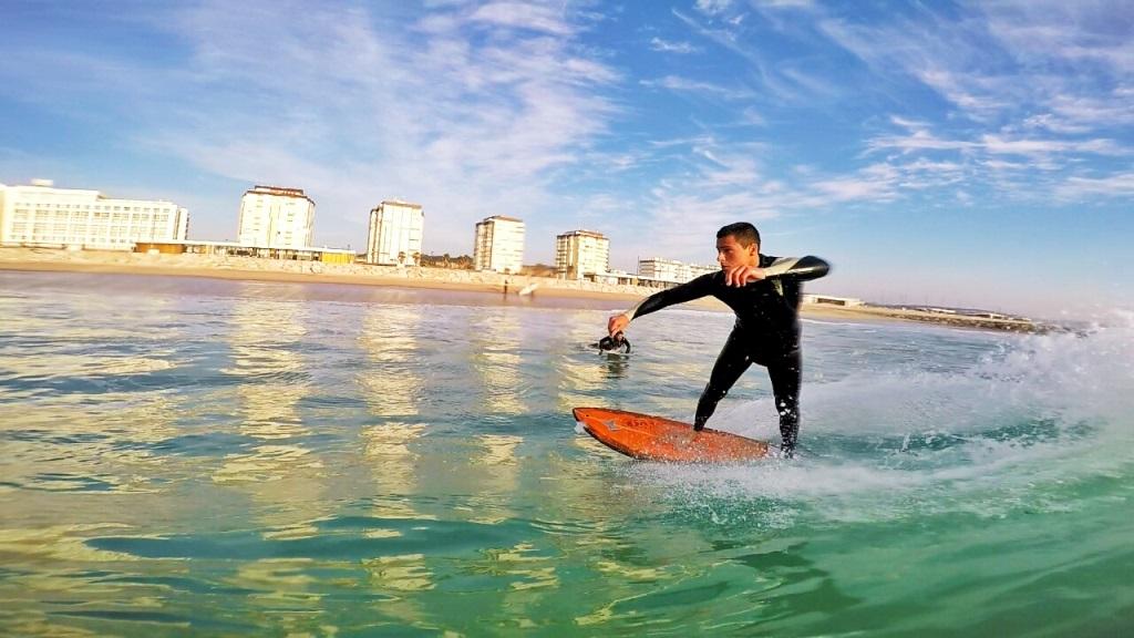 Surf in Lisbon - Living Tours