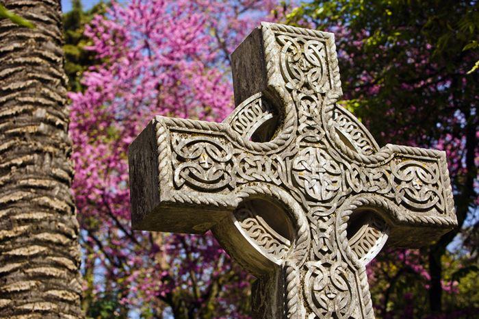 Lisbon non-Christian Cemeteries - Living Tours