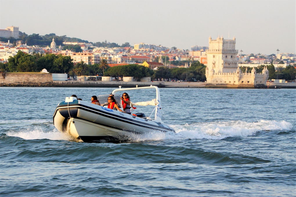 Passeio Barco Lisboa - Living Tours