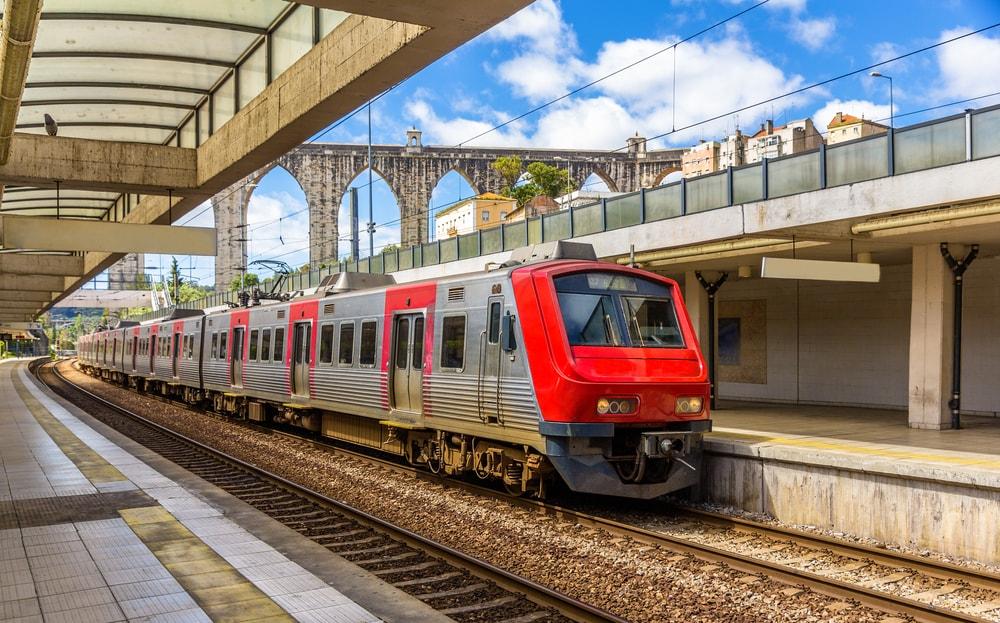 Lisbon Train Station - Living Tours