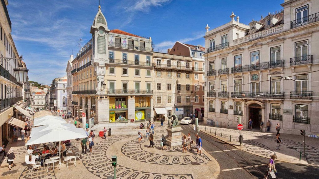Lisbon City Tour by Twizy