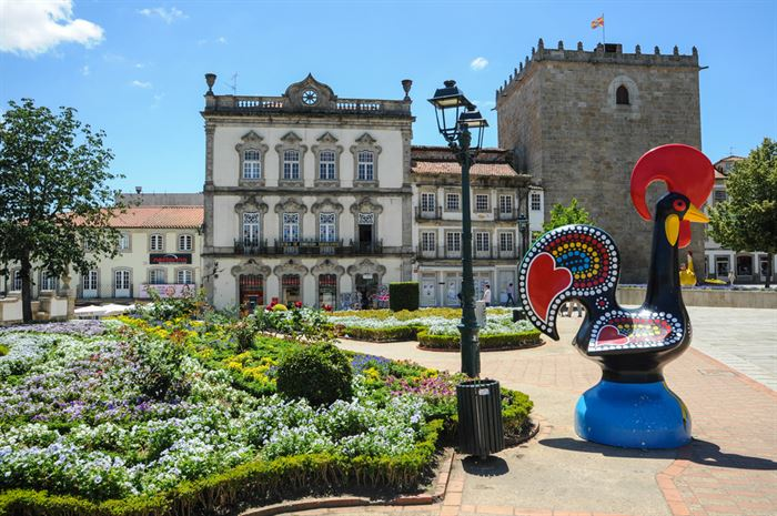 Barcelos Rooster in old town center - Living Tours