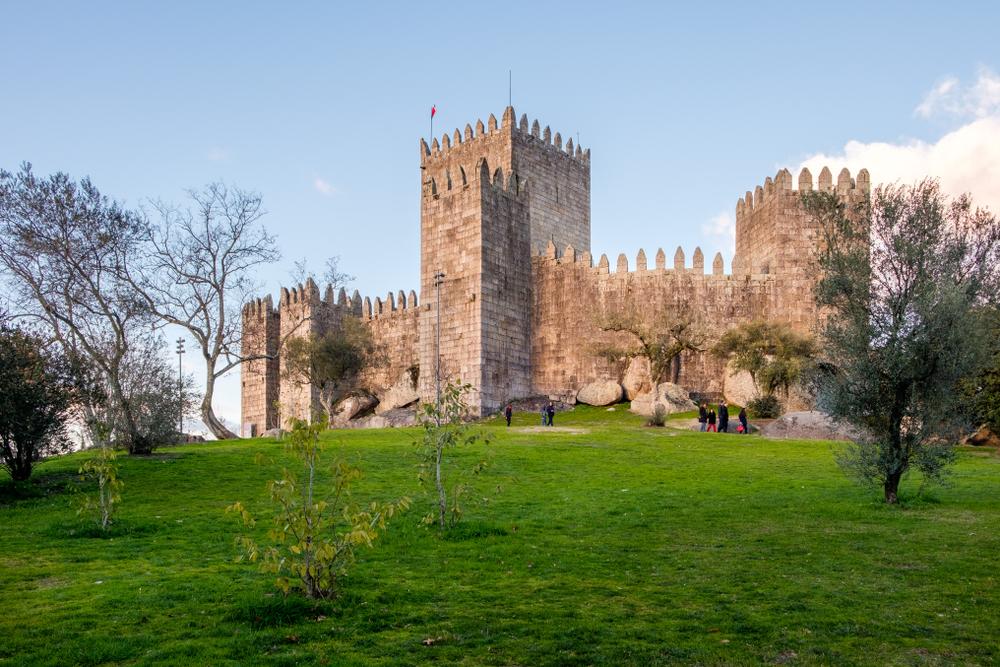 Guimaraes Castle Panoramic view - Living Tours