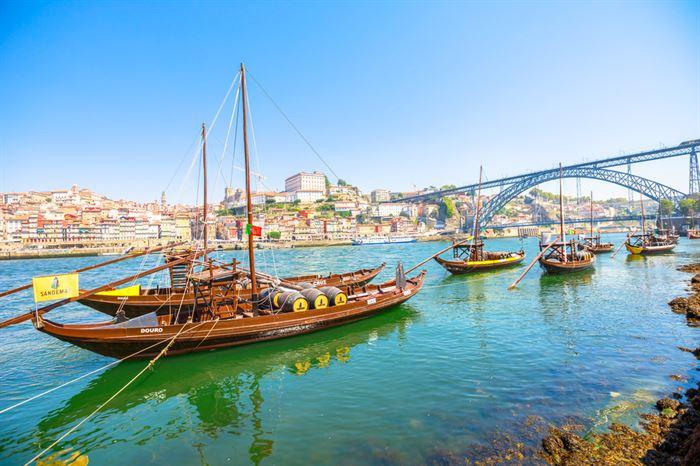 Porto 6 Bridges Cruise Douro River Moliceiros - Living Tours