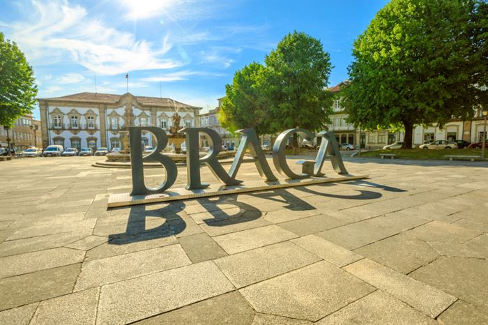 Porto to Braga private transfer - Living Tours