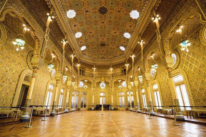 Bolsa Palace - Stock Exchange Palace (inside) - Living Tours