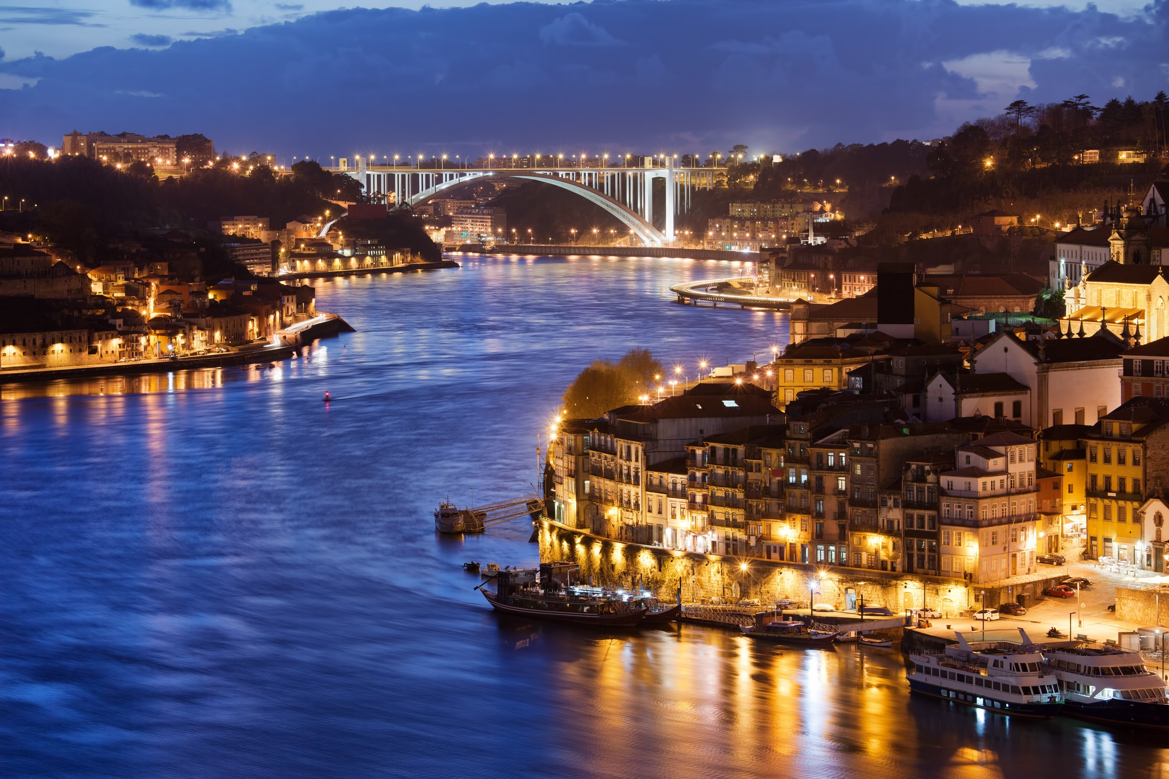New Year's Eve Cruise Porto - Living Tours