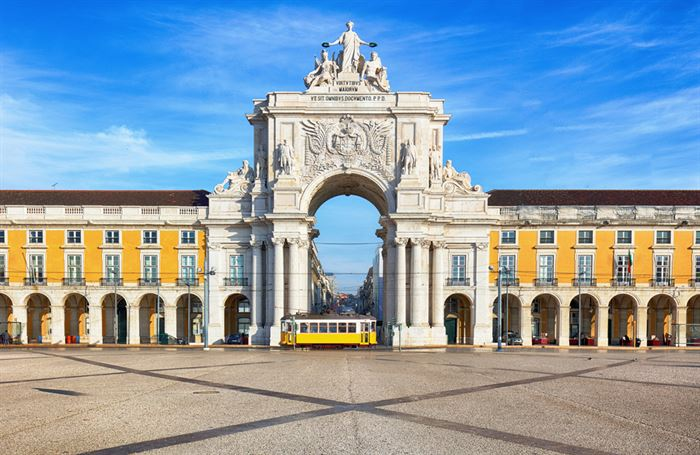 Tour to Lisbon from Porto, Full Day - Living Tours