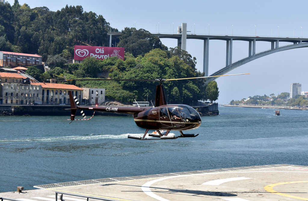Tour de Helicóptero na Cidade do Porto