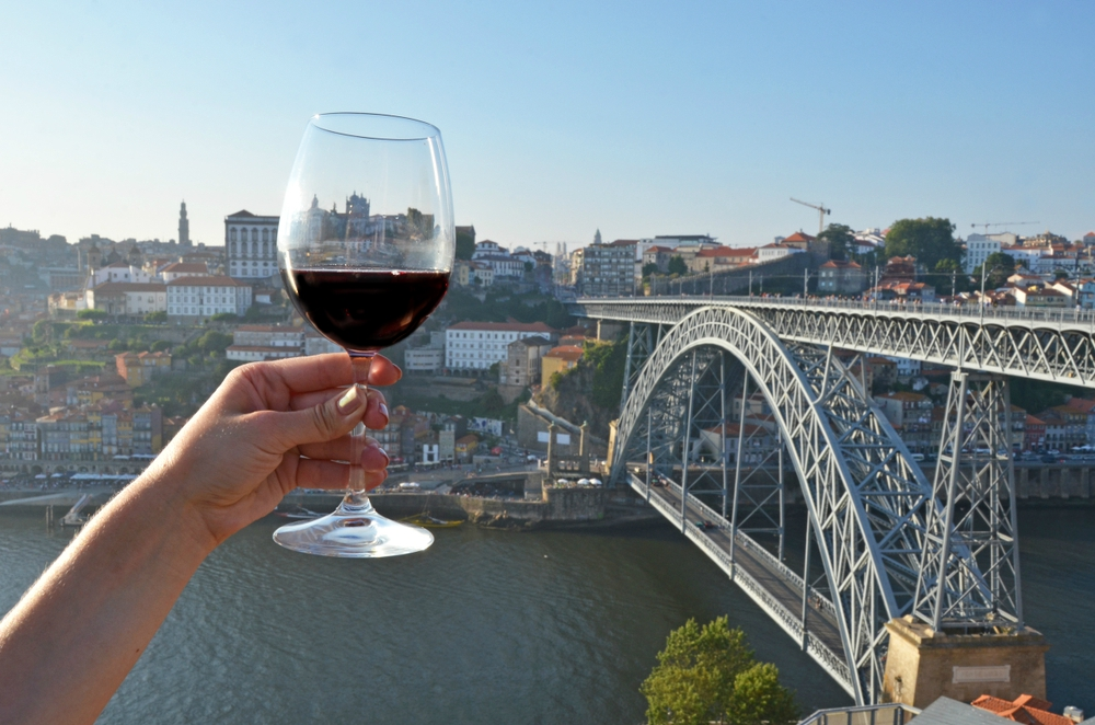 Porto Wine Tasting with six bridges cruise - Living Tours
