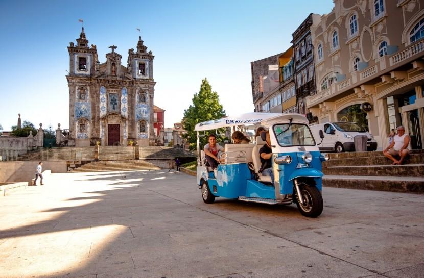 Porto Tuk Tuk and River cruise - Living Tours