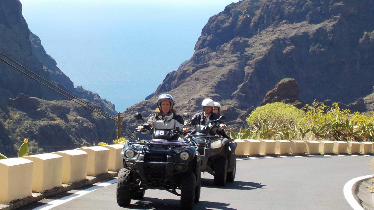 Experiência de Moto Quatro Los Gigantes em Tenerife - Living Tours